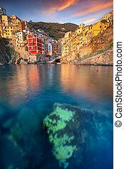 Riomaggiore, Italy. - Cityscape image of Riomaggiore, Cinque...