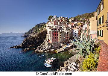Riomaggiore village, Cinque Terre - Italy