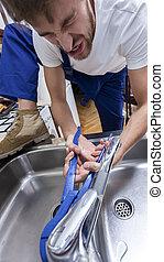 riparazione, tentando, rubinetto, uomo, washbasin