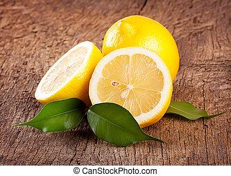 Ripe bright lemons
