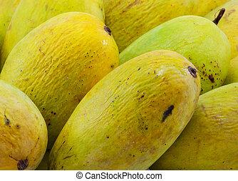 Ripe mangoe