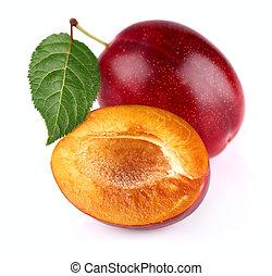 Ripe plum with slice