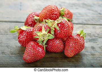 ripe strawberries on the table