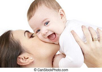 rir, bebê, tocando, com, mãe