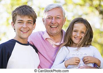 rire, petits-enfants, grand-père