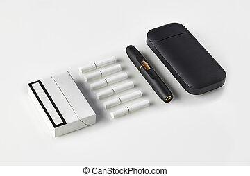 riscaldamento, sei, heatsticks, nuovo, tabacco, system., generazione, pacco sigaretta, chiudere, uno, white., su, elettronico, batteria, isolato, nero
