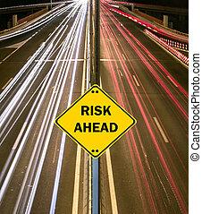 """""""risk, ahead"""", znak, przeciw, szosa, ślady"""
