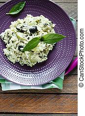 risotto, com, legumes, e, manjericão, vista superior