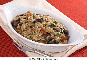 Risotto With Tomatoes and Mushrooms