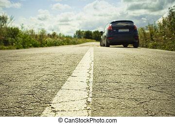 rissig, asphalt, closeup, und, auto, in, hintergrund