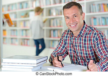 ritratto, biblioteca, uomo