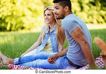 ritratto, di, coppia felice, ava picnic, in, natura