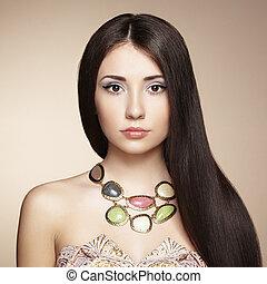 ritratto, di, giovane, bella donna, con, gioielleria