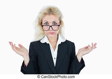 ritratto, di, uno, donna affari, gesturing, fare, non, sapere, segno