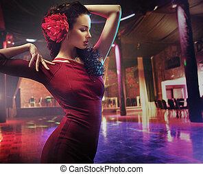 ritratto, donna, brunetta, ballo