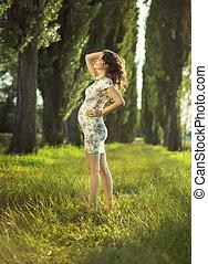 ritratto, donna, parco, incinta