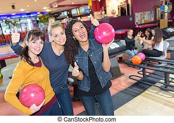 ritratto, donne, tre, vicolo, bowling
