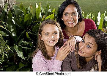 ritratto famiglia, madre, con, due, bello, figlie