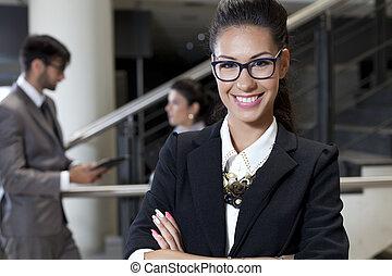ritratto, felice, donna d'affari, giovane