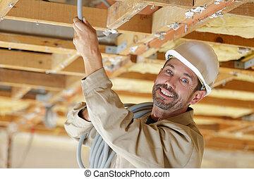 ritratto, felice, installare, cavi, costruttore