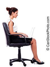 ritratto, lavorativo, laptop, donna