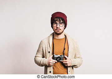 ritratto, macchina fotografica, giovane, studio.