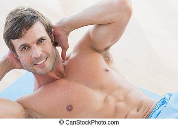 ritratto, shirtless, sedere, sorridente, ups, uomo, giovane