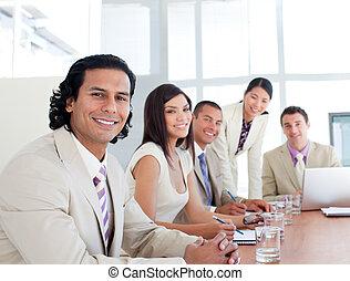 ritratto squadra, affari, sorridente, riunione