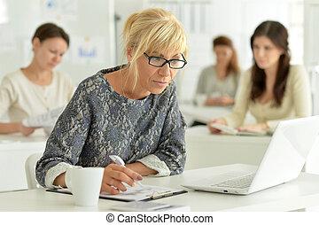 ritratto, ufficio, lavorativo, donne affari