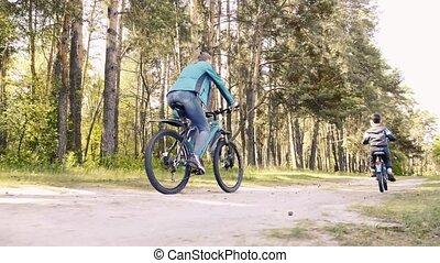 ritten, zijn, fietser, geitje, bike., vrolijke , berg, mamma...