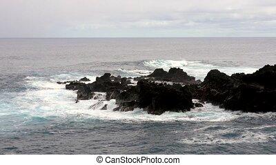 rivage, contre, vagues, marée, élevé, rocheux, recouvrement