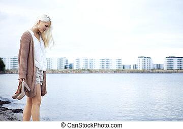 rivage, marche dans eau