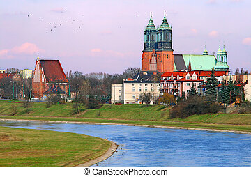 The cathedral church and river in the center of city