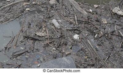 river., déchets