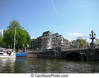 River walk across Amsterdam