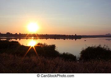 rivière, à, levers de soleil