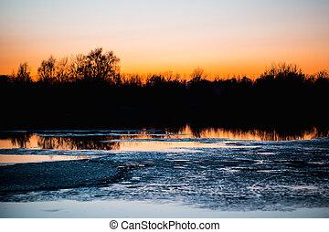 rivière, coucher soleil, forêt, glace