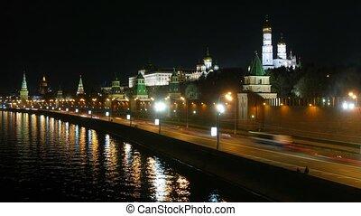 rivière moscow, kremlin, nuit