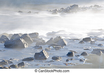 rivière, rochers, dans, les, commencement matin, brume