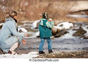 rivier, hebben, winter, gezin, wandeling