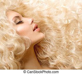 rizado, hair., moda, niña, con, sano, largo, pelo ondulado
