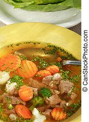 roślinna zupa, mięso