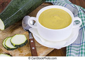 roślinna zupa, zucchini, śmietanka