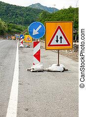 Road construction - Temporary road construction traffic ...