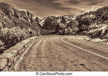Road into Yosemite