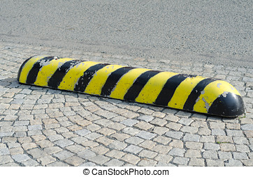 Road safety barrier - Black and yellow markings