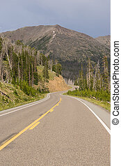Road to East Entrance Yellowstone National Park Avalanche Peak