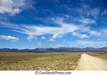 Road to Hamlin Valley