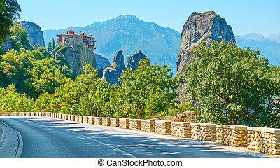 Road to Rousanou Nunnery in Meteora - Road to Rousanou ...