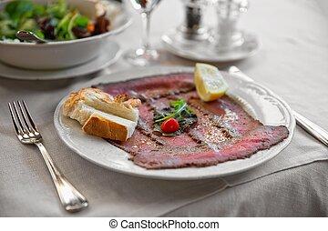 Roast beef - Striploin - Well roast beef thinly sliced